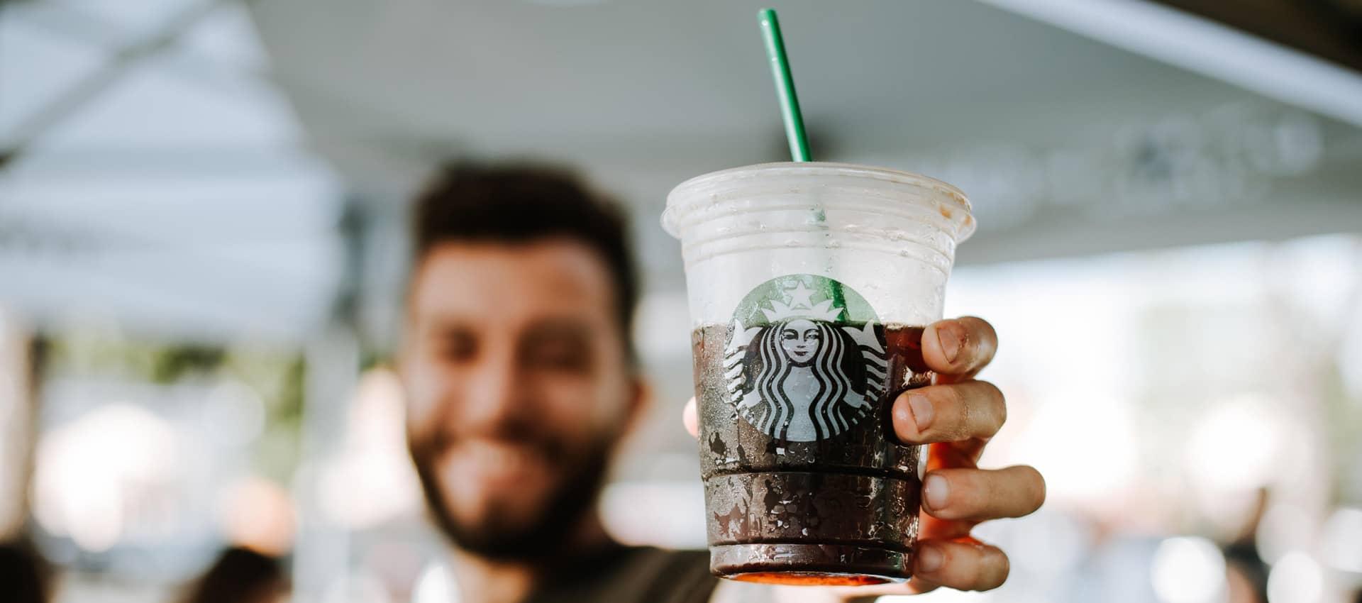 Cafetería Starbucks Patio Bellavista